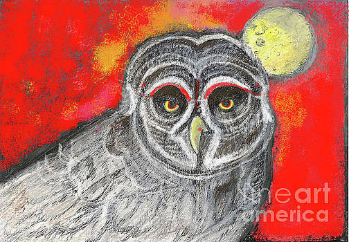 Great grey Owl by Lydia L Kramer