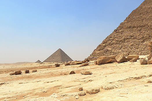 Great Pyramids of Gizah by Silvia Bruno