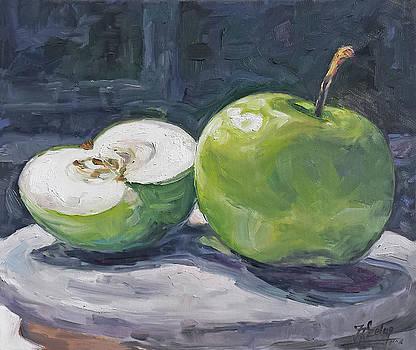 Green apple by Irek Szelag