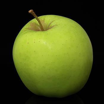 Vyacheslav Isaev - Green apple