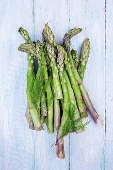 Green asparagus by Iuliia Malivanchuk