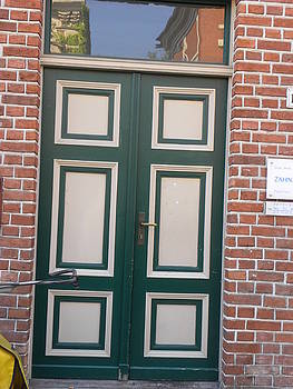 green door - Holland Viertel by Christine  Davis