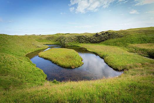 Francesco Riccardo Iacomino - Green Landscape, Iceland