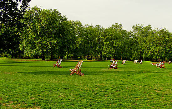 Green Park Lawn Chairs by Robert Meyers-Lussier