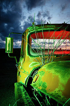Green-Red Pickup by Notley Hawkins