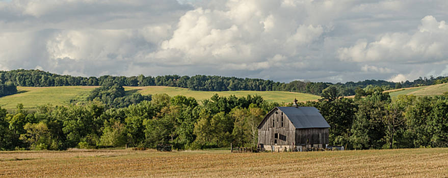 Dan Traun - Grey Barn