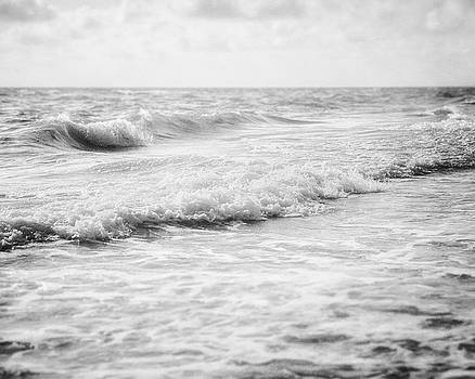 Lisa Russo - Grey Ocean in Black and White
