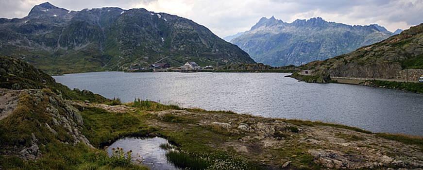 Elenarts - Elena Duvernay photo - Grimsel lake, Bern, Switzerland