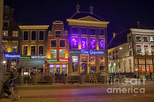 Patricia Hofmeester - Grote Markt in Groningen at night