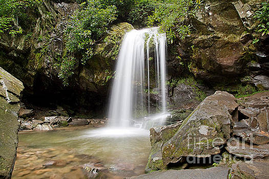 Jemmy Archer - Grotto Falls Great Smoky Mountains