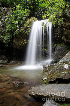 Jemmy Archer - Grotto Falls Vertical