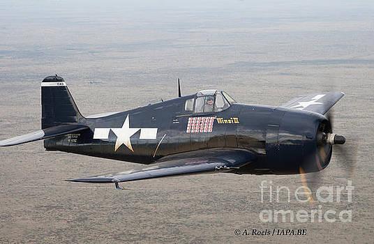 Grumman  F6F  Hellcat by Antoine Roels