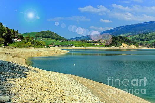 Elenarts - Elena Duvernay photo - Gruyeres lake in summer, Fribourg canton, Switzerland