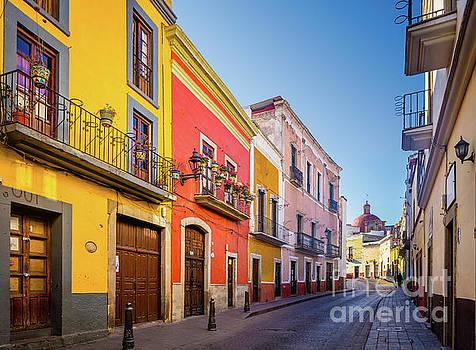 Guanajuato Casas by Inge Johnsson
