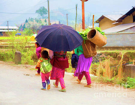 Chuck Kuhn - Ha Giang Family Paint