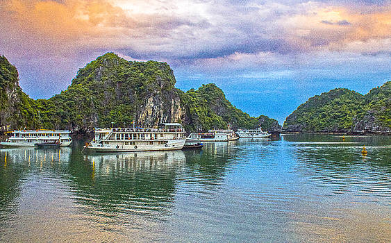 Venetia Featherstone-Witty - Ha Long Bay, Vietnam