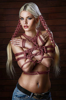 Rod Meier - Hairbondage - 2 rope braids, tied arms - Fine Art of Bondage