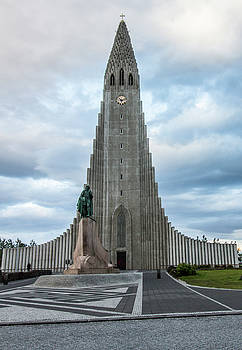 Venetia Featherstone-Witty - Hallgrimskirkja - The Largest Church in Iceland