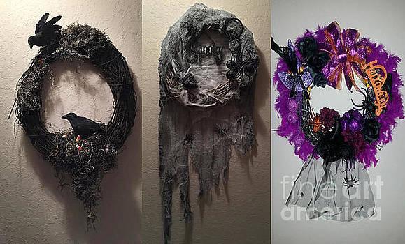 Halloween Wreaths by Lynn Jackson