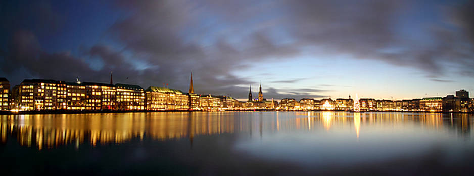 Hamburg Alster Christmas Time by Marc Huebner