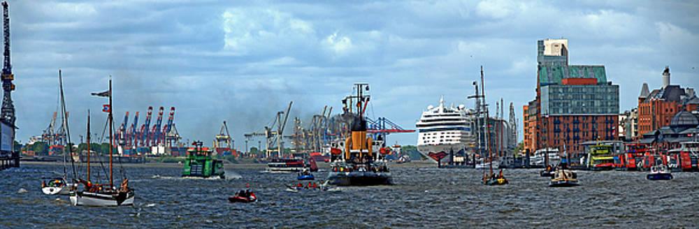 Hamburg by Leopold Brix