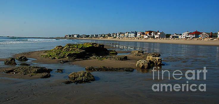 Hampton Rock by Richard Gibb