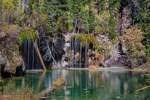 Hanging Lake by Chuck Jason