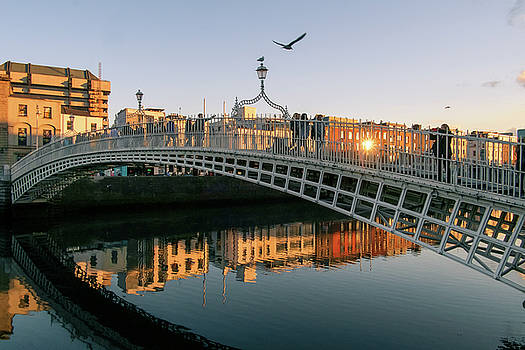 Ha'penny bridge by Jose Maciel