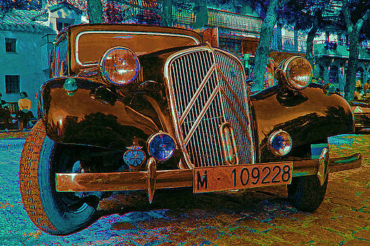 Happy Old Citroen by John Scholey