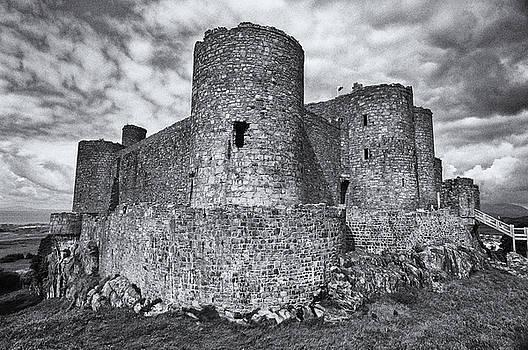 Harlech Castle, Wales by Jeremy Voisey