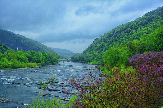 Raymond Salani III - Harpers Ferry from the Shenandoah River