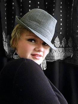 Scarlett Royal - Hattingly Flirty