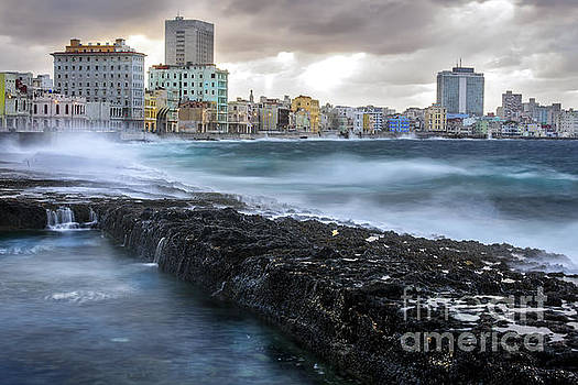 Havana after the storm by Jose  Rey