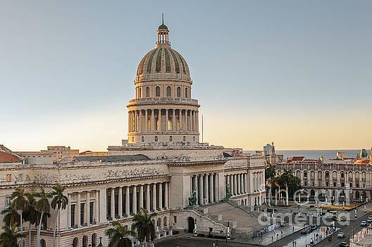 Havana Capitolio by Jose  Rey