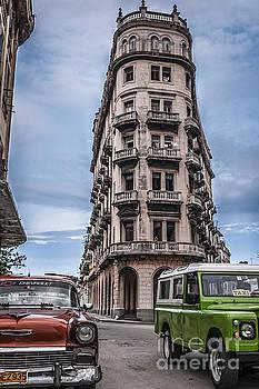 Havana old cars by Jose  Rey
