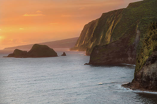 Hawaii Sunrise at the Pololu Valley Lookout 2 by Larry Marshall