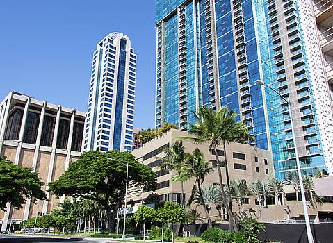 Ramunas Bruzas - Hawaiian City Street