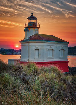 Hazy Sunrise at Coquille Lighthouse by Darren White