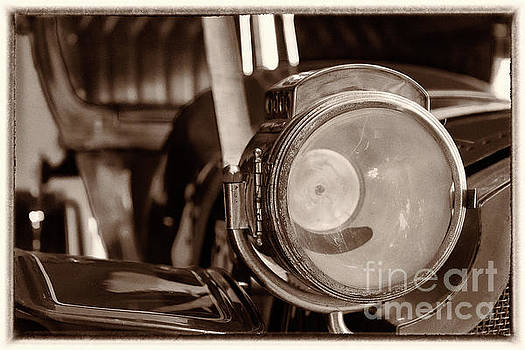 Head lamp, vintage car by Vyacheslav Isaev