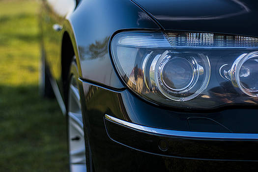 Newnow Photography By Vera Cepic - Headlights of BMW 750Li e66