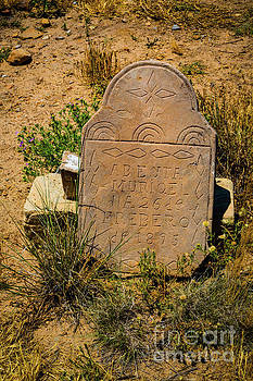 Jon Burch Photography - Headstone