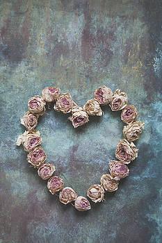 Heart of roses by Maria Heyens