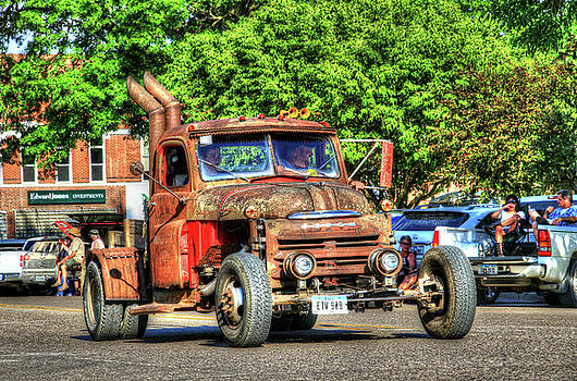 Heavy Duty Custom Dodge by J Laughlin