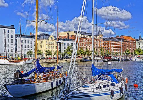 Dennis Cox WorldViews - Helsinki Harbor