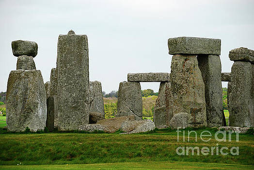Henge of Stone  by Richard Gibb