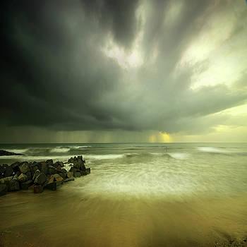 Angel  Tarantella - here comes the rain again