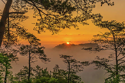 Here comes the sun... by Ulrich Burkhalter