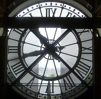Heures d'Orsay by Risa Bender