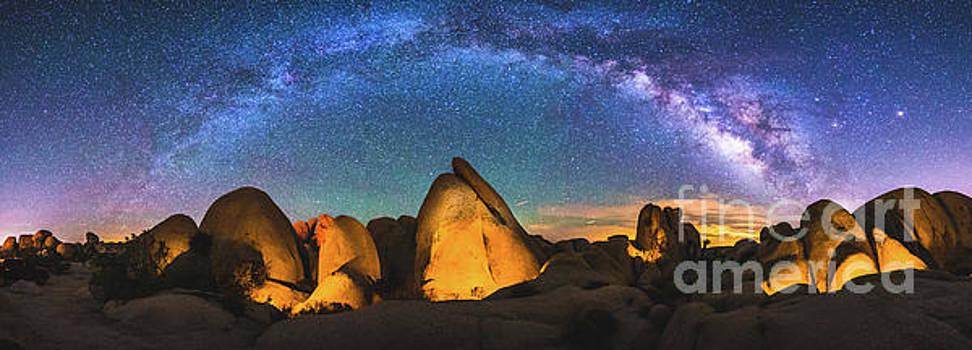 Hidden Valley Milky Way by Robert Loe