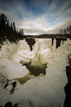 High Falls, Pigeon River by Jakub Sisak